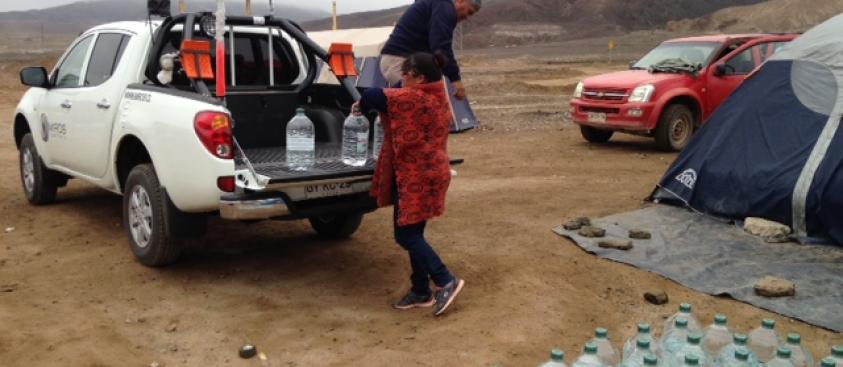 Donación de agua potable de Miros Consultores – abril 2015